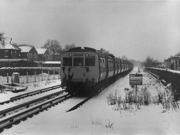 Photo of Class 502 in the snow