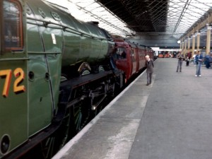 Photo of Class 502 with Flying Scotsman