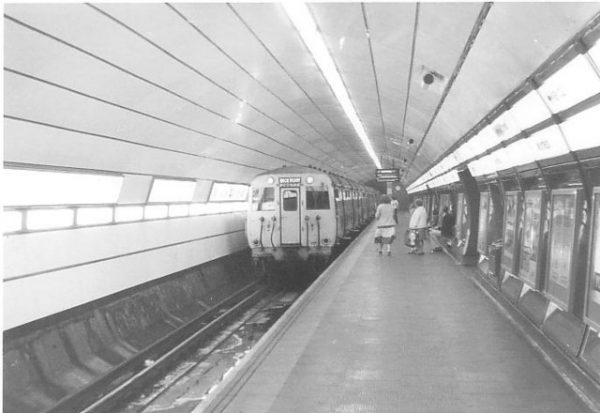 Black and White photo of Moorfields railway station with a class 503 unit